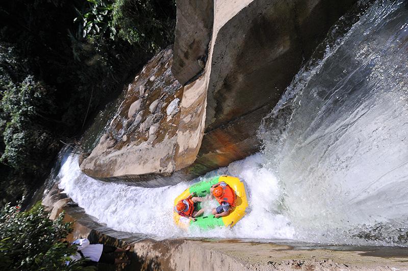 Nhận ngay ưu đãi khi mua vé Khu trượt thác Hòa Phú Thành tại Trung tâm Hỗ trợ du khách Đà Nẵng 1