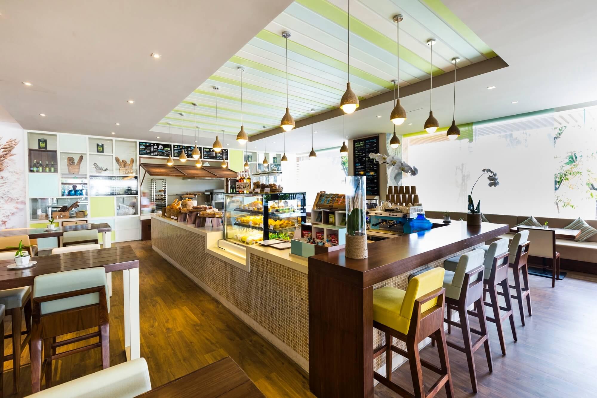 Delicious Cafe Bakery A La Carte Danang Beach Hotel 200 Vo Nguyen Giap Danang Fantasticity Com 02