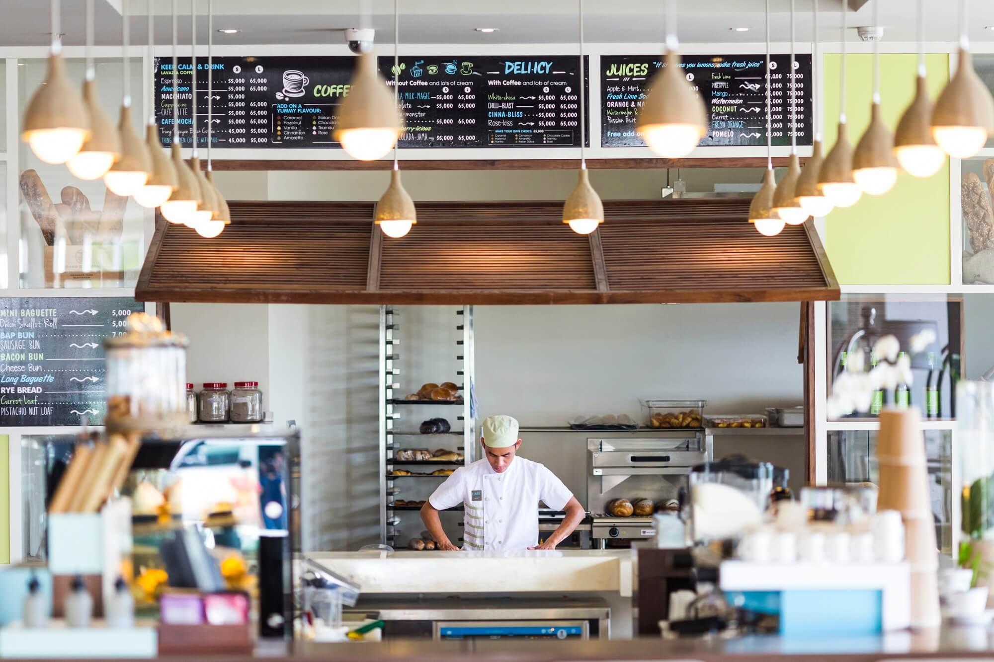 Delicious Cafe Bakery A La Carte Danang Beach Hotel 200 Vo Nguyen Giap Danang Fantasticity Com 04
