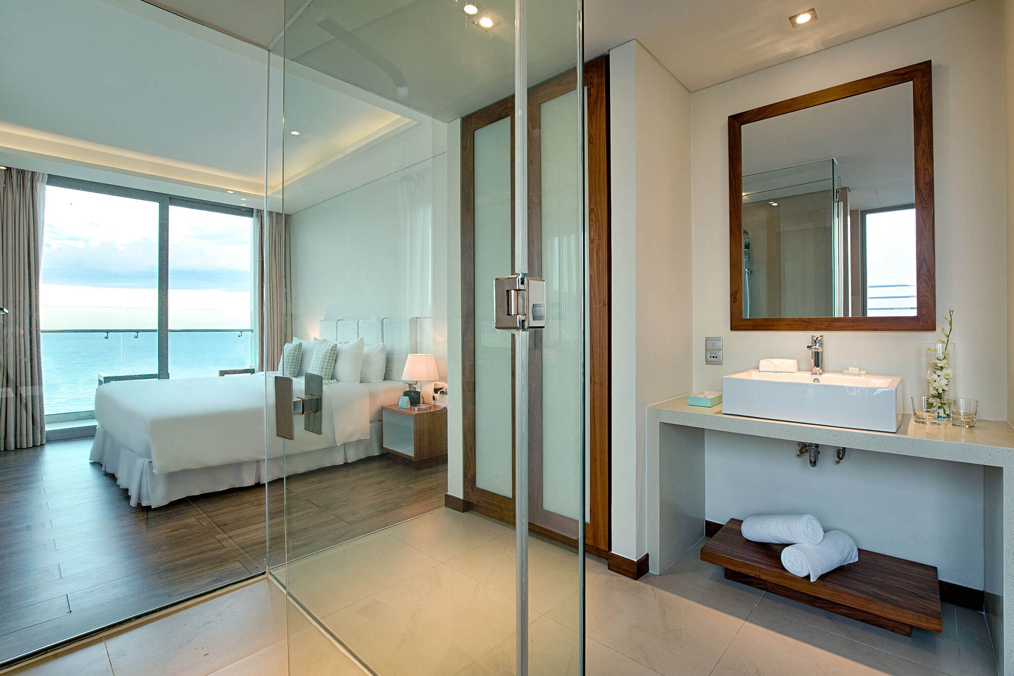 Delight Ocean View Apartment A La Carte Danang Beach Hotel 200 Vo Nguyen Giap Danang Fantasticity Com 02
