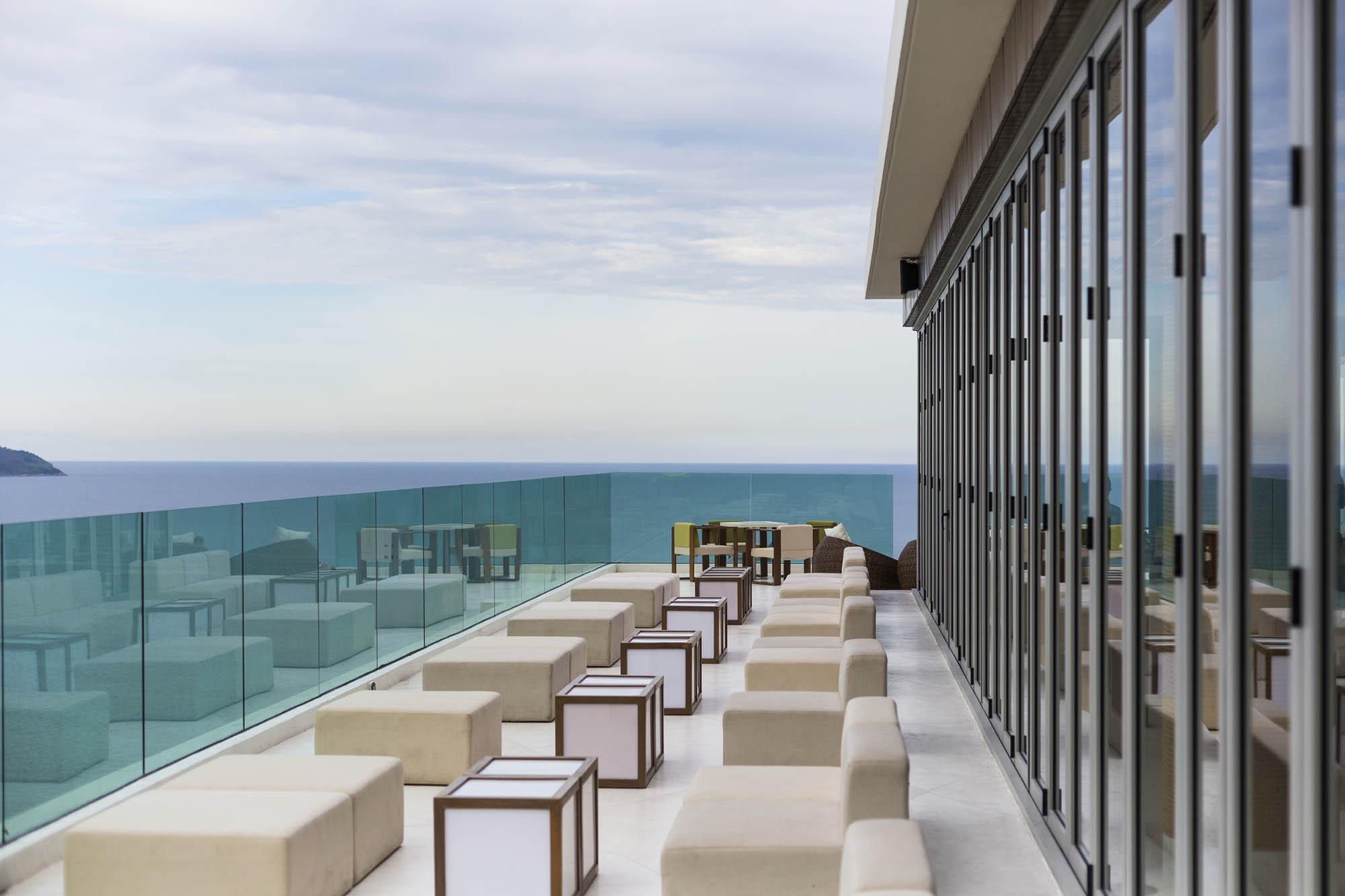The Top Bar A La Carte Danang Beach Hotel 200 Vo Nguyen Giap Danang Fantasticity Com 02