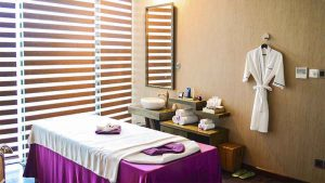 10-the-holiday-spa-massage-vip-room