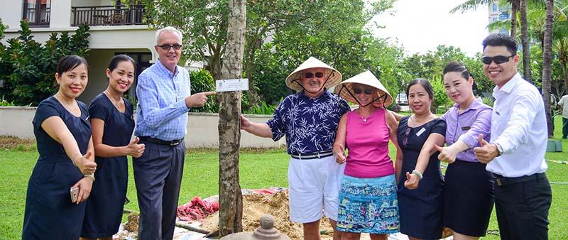 Furama Resort Đà Nẵng lần thứ 8 nhận giải thưởng Rồng Vàng 3