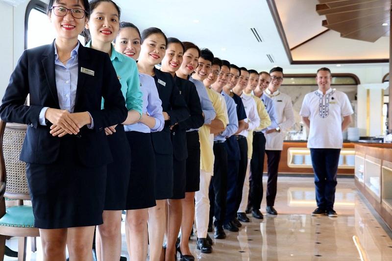 Đào tạo và trao chứng nhận Quốc tế về nghiệp vụ Quản gia Quốc tế cho Nhân viên Furama Resort Đà Nẵng