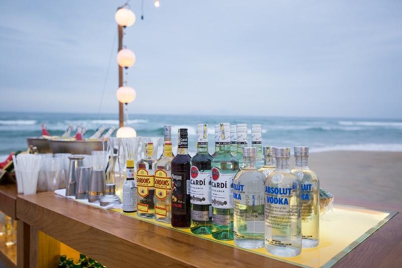 Hãy để hành tinh này và chính bạn được nghỉ ngơi vào giờ trái đất tại đêm tiệc ở bãi biển Naman Retreat! 1