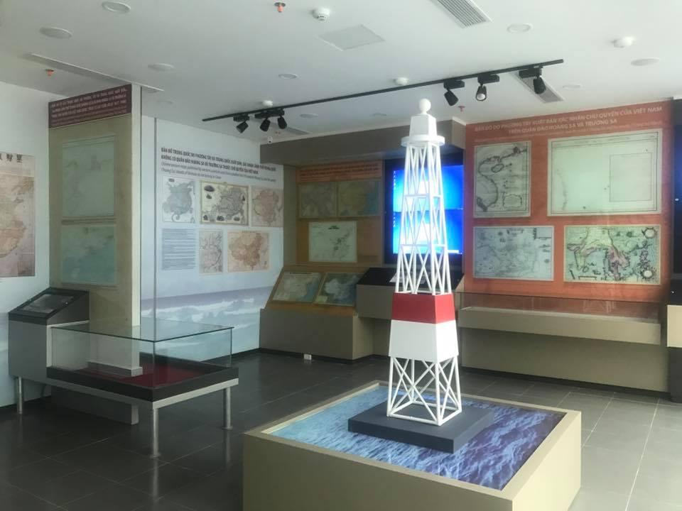 Hải đăng trên đảo Hoàng Sa 1 Ngày 28/3 khánh thành Nhà trưng bày Hoàng Sa