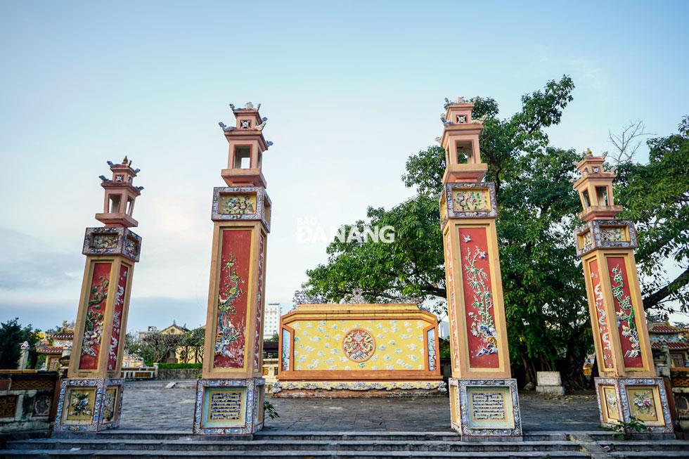 Nhà thờ Tiền hiền làng An Hải và Thoại Ngọc Hầu hoàn thành việc nâng cấp, xây dựng vào cuối tháng 3-2009 trong khuôn viên rộng 4.250m2 với kinh phí gần 7 tỷ đồng.
