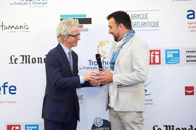 Nhiếp ảnh gia Réhahn nhận giải thưởng cống hiến của người Pháp ở nước ngoài