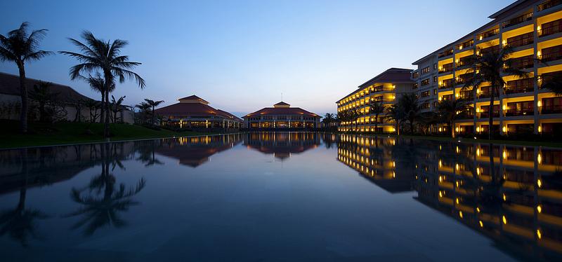Pullman Danang Beach Resort- BUFFET trưa Chủ Nhật 5