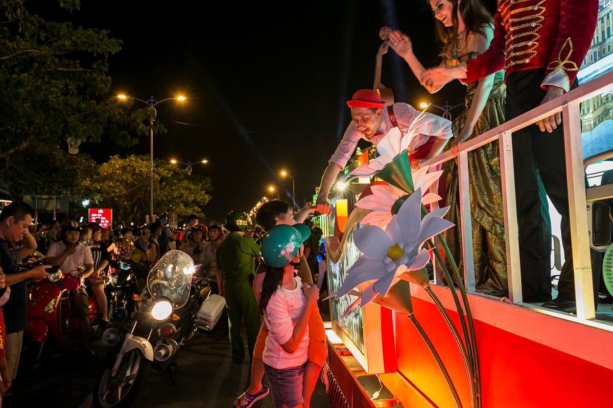 12 cây cầu di động trong Lễ hội pháo hoa Quốc tế Đà Nẵng 2018 10