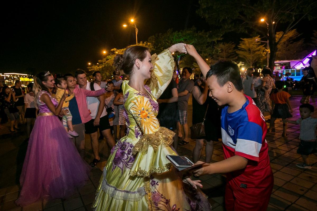 12 cây cầu di động trong Lễ hội pháo hoa Quốc tế Đà Nẵng 2018 11