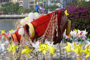 """Chùm ảnh: """"Tiểu ngân hà chong chóng"""" bên bờ sông Hàn Đà Nẵng 6"""
