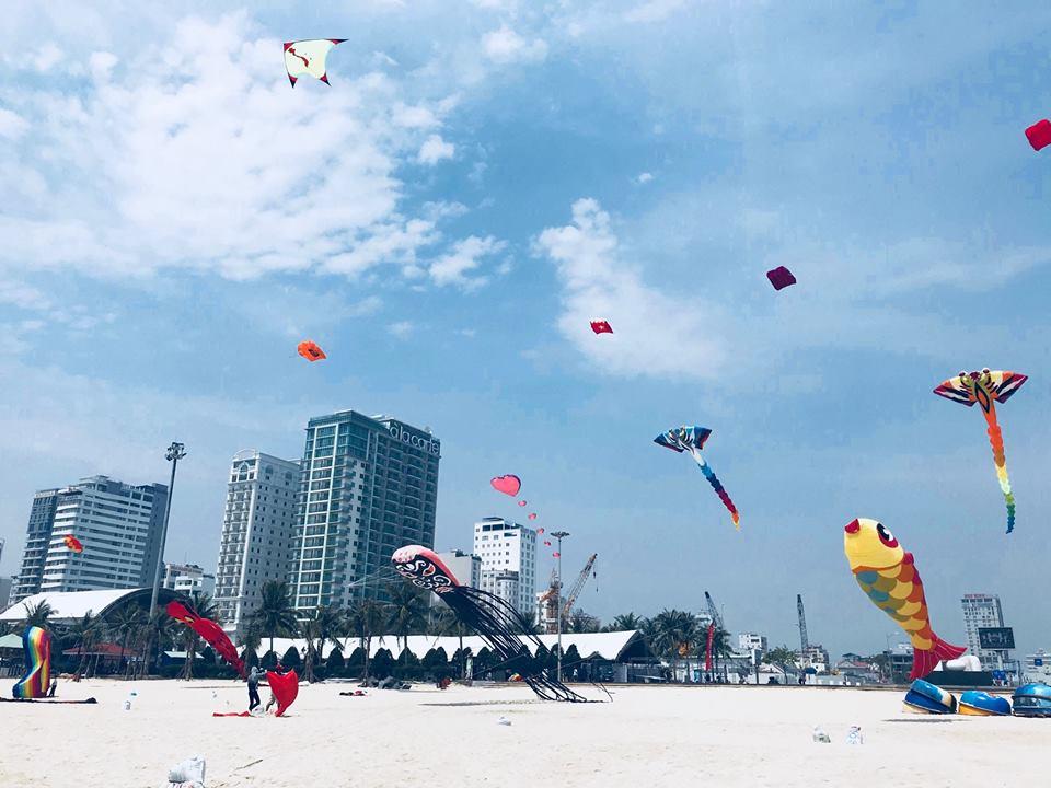 Kites Festival – Colorful kites on Danang Beach 3