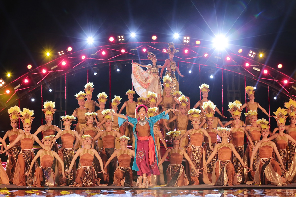 Danang International Fireworks Festival 2018 - The official opening Ceremony 6