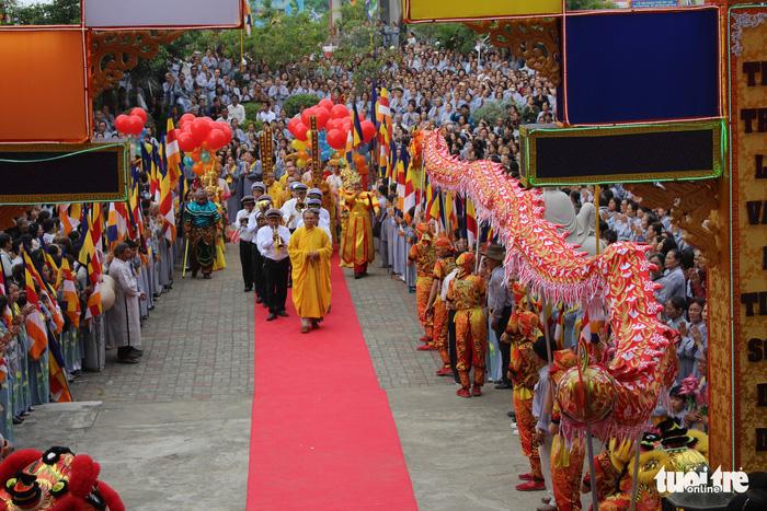 Lễ vía Đức Bồ Tát ở lễ hội Quán Thế Âm Đà Nẵng 1