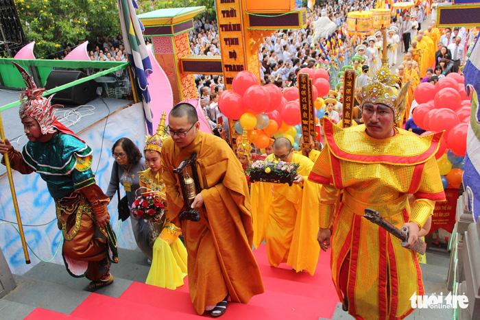 Lễ vía Đức Bồ Tát ở lễ hội Quán Thế Âm Đà Nẵng 3