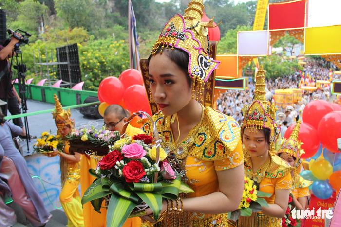 Lễ vía Đức Bồ Tát ở lễ hội Quán Thế Âm Đà Nẵng 6