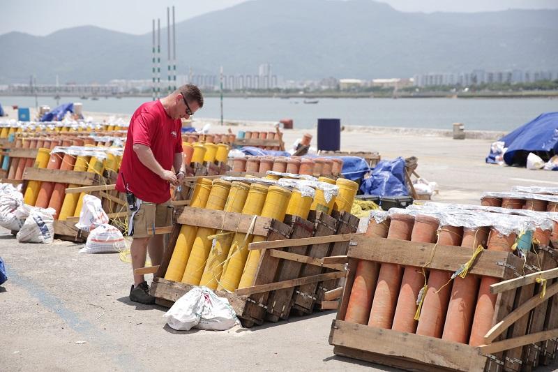6000 quả pháo sẽ được đội Mỹ sử dụng trong Lễ hội pháo hoa quốc tế Đà Nẵng 2018 1
