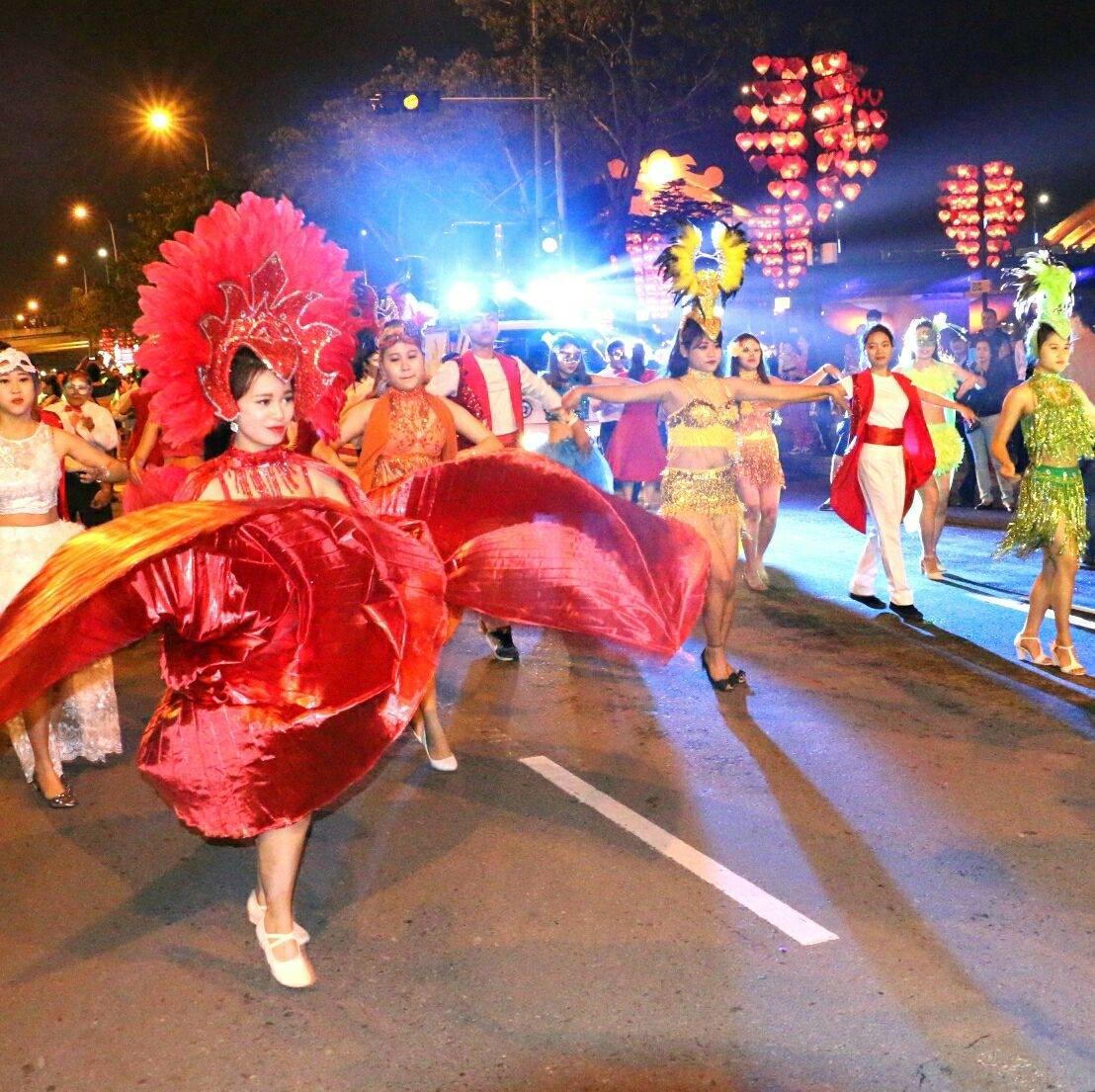 Nhi Cao (Street Festival– May's special program)