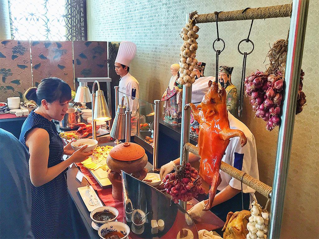 Ngày của mẹ cùng tiệc Buffet Ẩm thực Trung Hoa tại Grand Mercure Danang 2