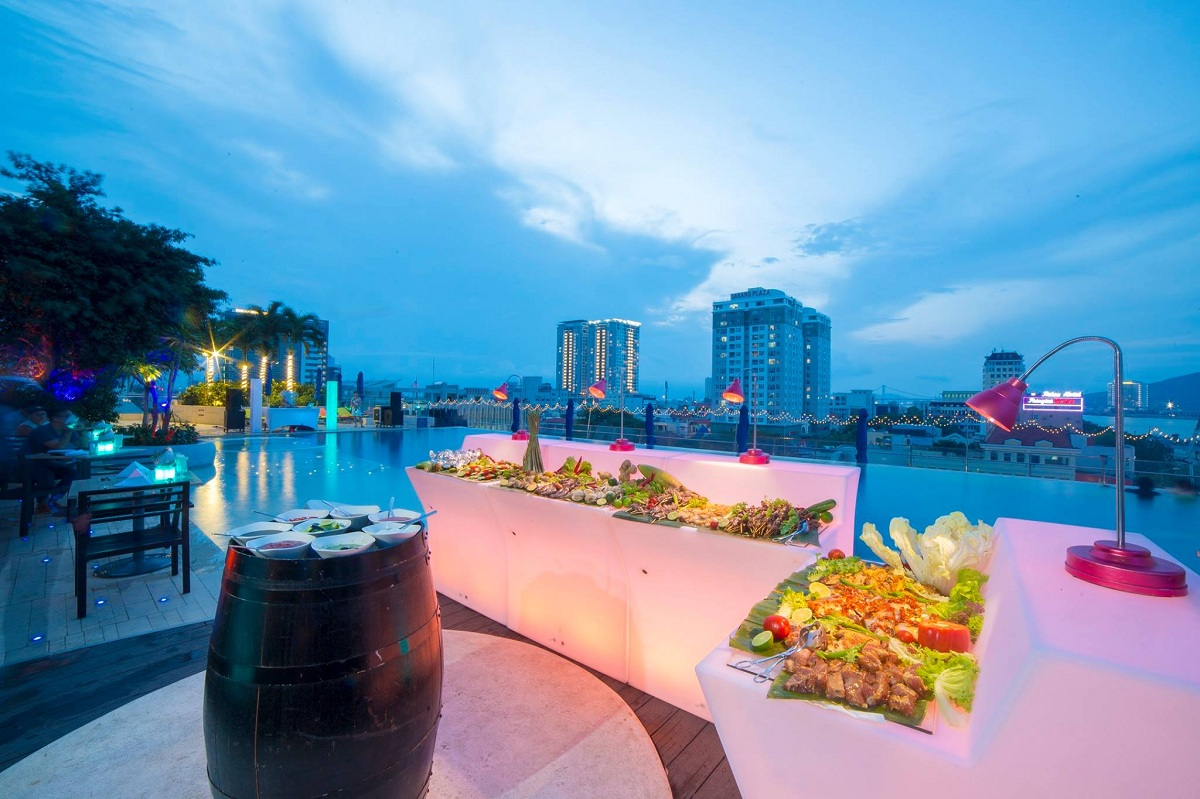 Novotel Danang Premier Han River – Wet & Wild POOL PARTY 05.05 2