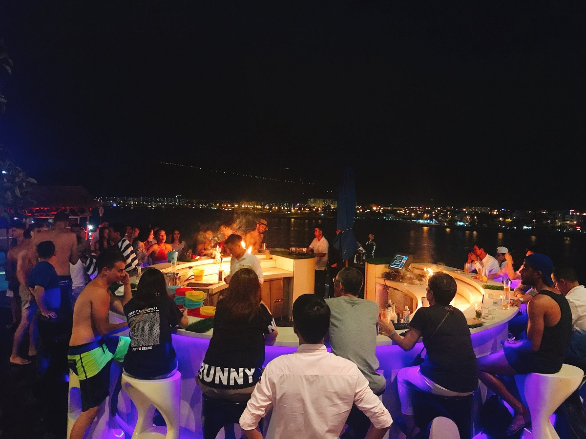 Novotel Danang Premier Han River – Wet & Wild POOL PARTY 05.05.2018 2