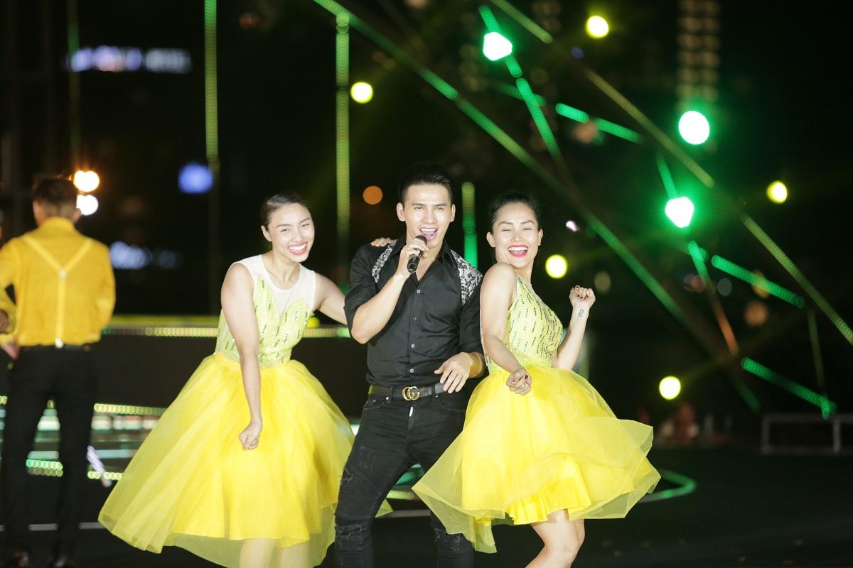 """Lễ hội pháo hoa Quốc tế Đà Nẵng 2018 tiếp tục bùng bổ với đêm thứ hai """"Nhịp cầu Thời gian"""" 3"""