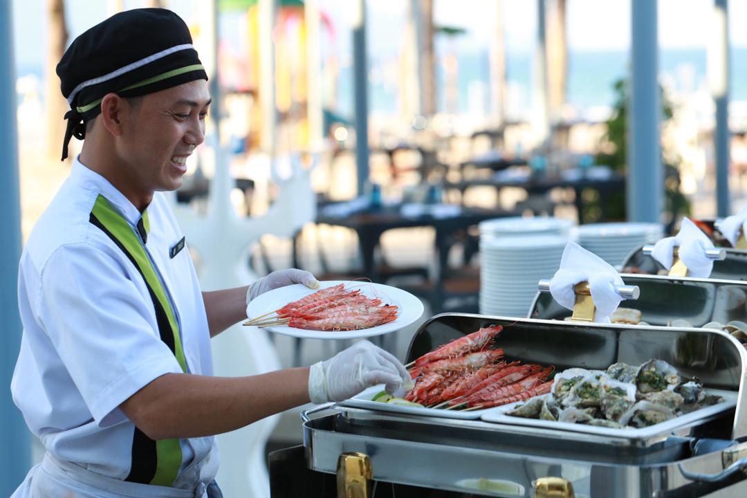 Pullman Danang Beach Resort - Bubbles, Beats & Brunch 2