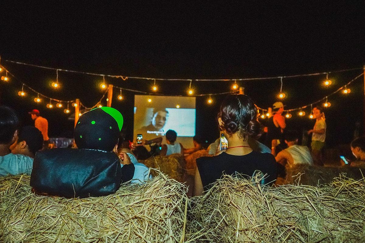 Thích thú trải nghiệm rạp chiếu phim trên biển MIỄN PHÍ ngay tại Đà Nẵng 1
