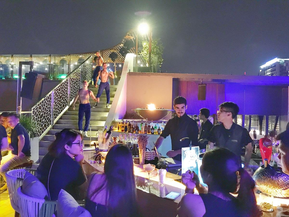 Thư giãn thật đẳng cấp và lãng mạn tại Sevva Sky Lounge Danang mới lạ nhất miền Trung 9
