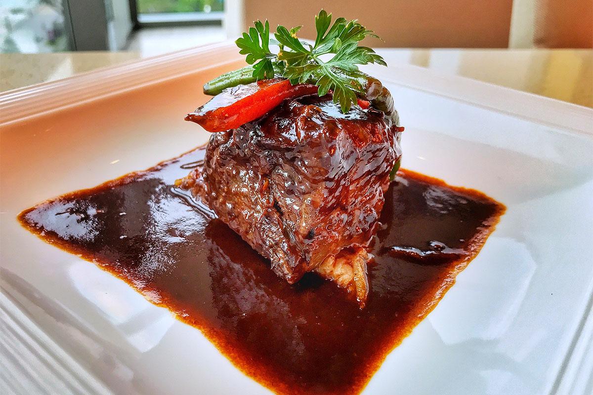 """Thưởng thức """"BEEFAHOLIC""""- Thực đơn dành cho tín đồ thịt bò tại Novotel Danang Premier Han River 5"""