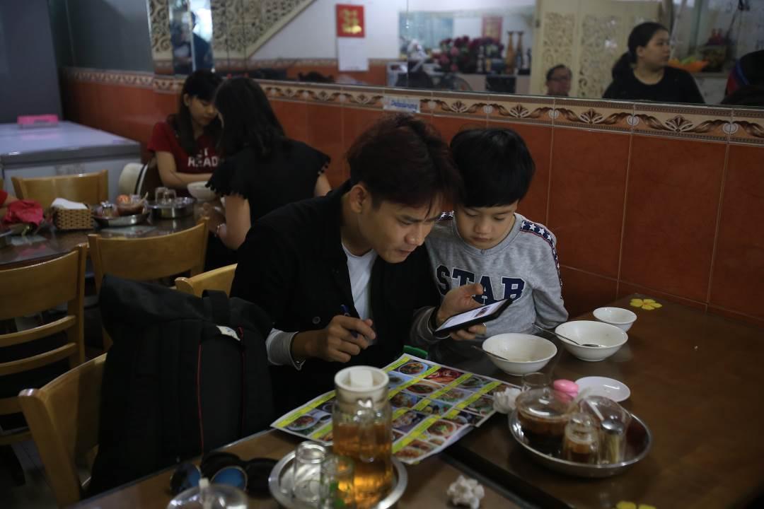 """Trải nghiệm ẩm thực Đà Nẵng cùng """"Bố ơi! mình đi đâu thế?"""" 4"""