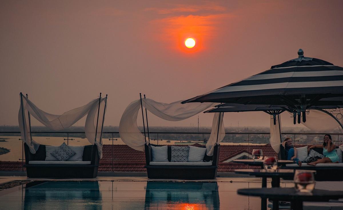 Khám phá rooftop bar cao nhất Hội An, ngắm toàn cảnh phố cổ và sông Thu Bồn 4