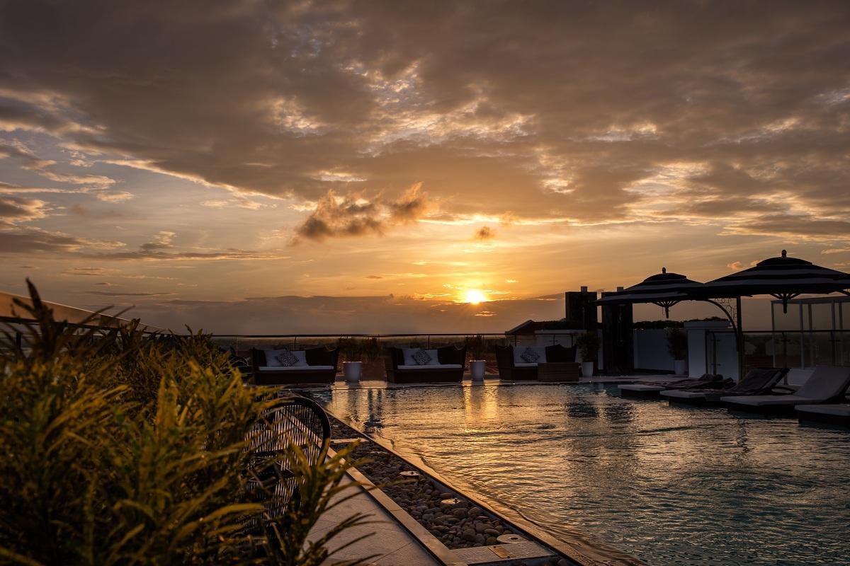 Khám phá rooftop bar cao nhất Hội An, ngắm toàn cảnh phố cổ và sông Thu Bồn 5