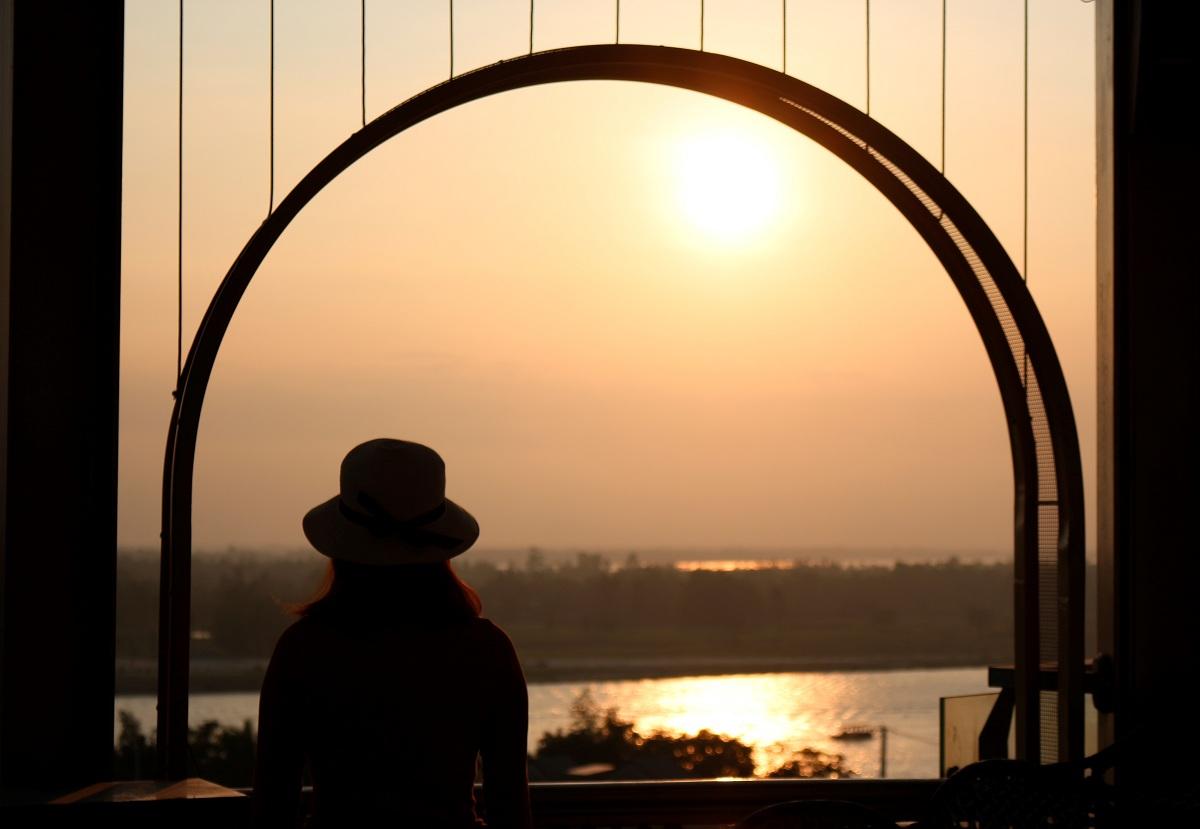 Khám phá rooftop bar cao nhất Hội An, ngắm toàn cảnh phố cổ và sông Thu Bồn 8