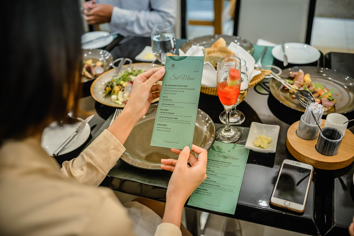 The Veranda Grill – Một trải nghiệm ẩm thực tuyệt vời! 10