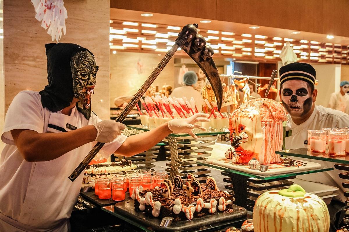Tiệc Buffet Halloween tối đặc sắc chủ đề Trick or Treat tại Pullman Danang Beach Resort Đà Nẵng