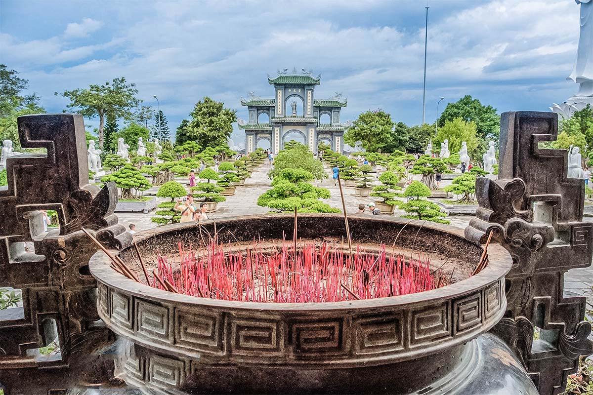Chùa Linh Ứng - Bãi Bụt - Đà Nẵng 10