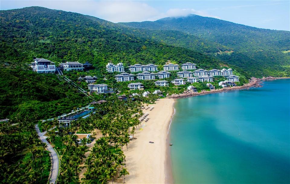 """InterContinental Danang Sun Peninsula Resort được vinh danh trong hạng mục""""Khu nghỉ dưỡng biển hàng đầu thế giới"""" tại Haute Grandeur Excellence Awards 2018 1"""