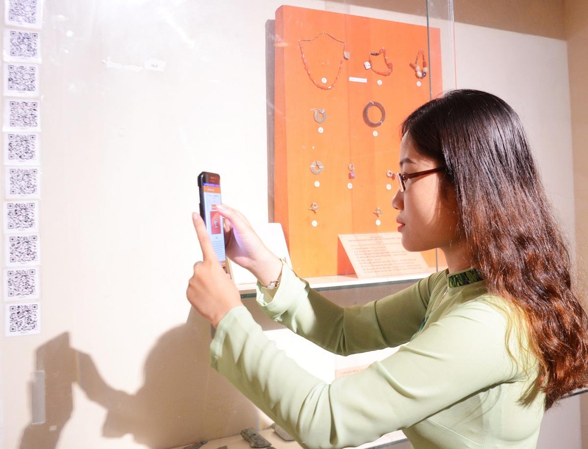 Ra mắt Hệ thống thuyết minh đa ngữ qua thiết bị di động, Ngân hàng dữ liệu Di sản Văn hóa Đà Nẵng và Bộ nhận diện Bảo tàng Đà Nẵng 1