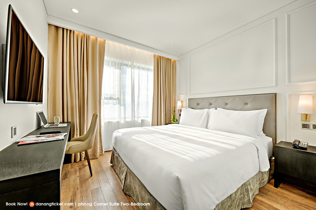 Corner Suite Two Bed Rooms Enjoy 5 Star Service And Enjoy The Best Firework Performances At Danang Golden Bay 01