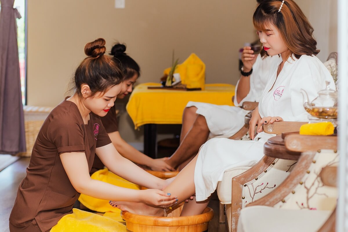 Grand Opening Charme Nails Spa Boutique The Top Notch Nails And Spa In Danang 09