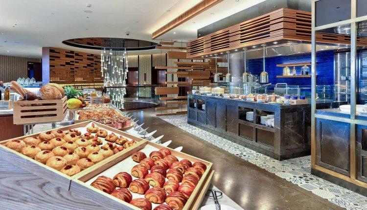 Nha Hang Brasserie Nam Khach San Hilton Danang Fantasticity 2