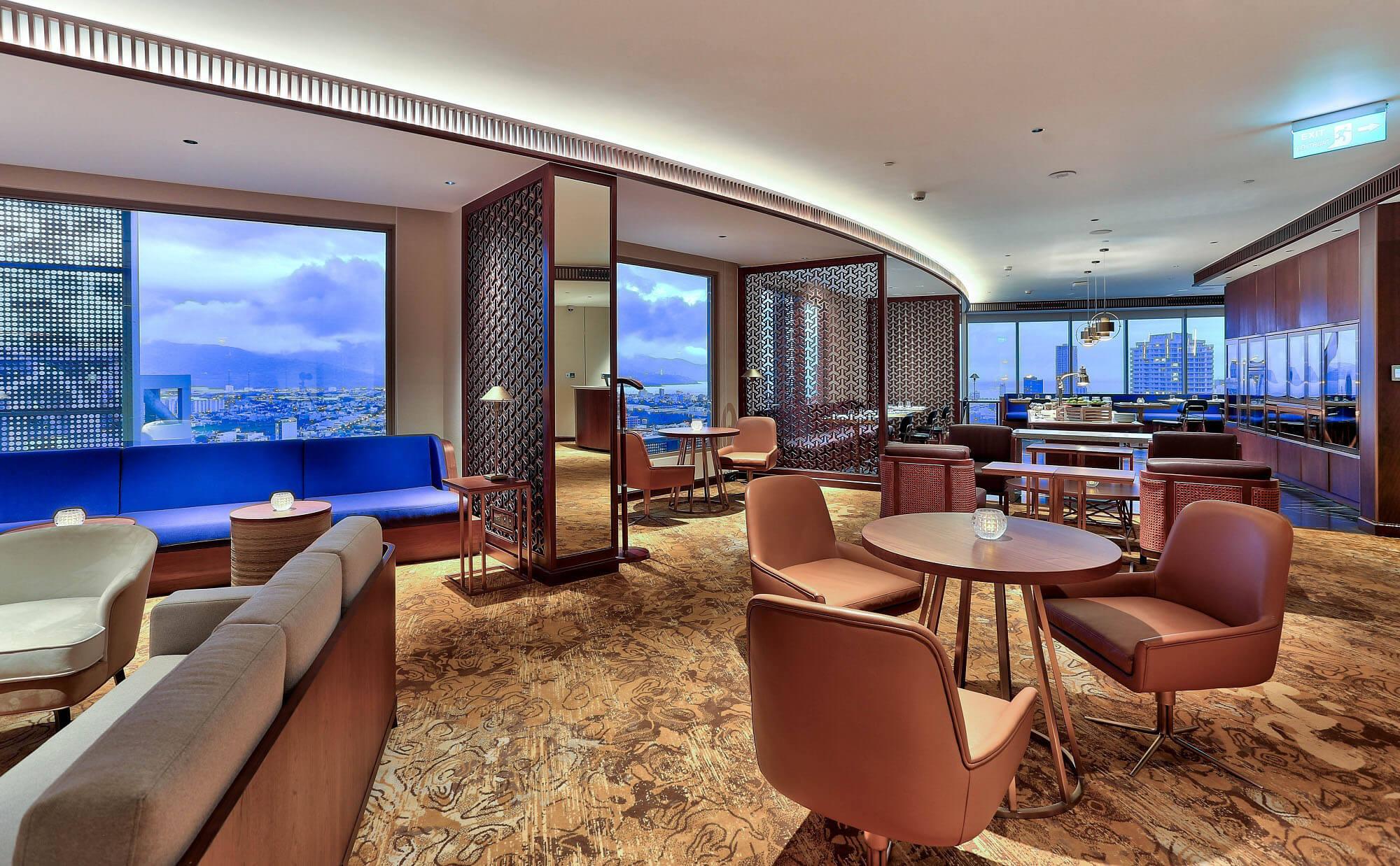Executive Lounge Hilton Da Nang Trai Nghiem Khach San Day Phong Cach Giua Long Thanh Pho Danang Fantasticity