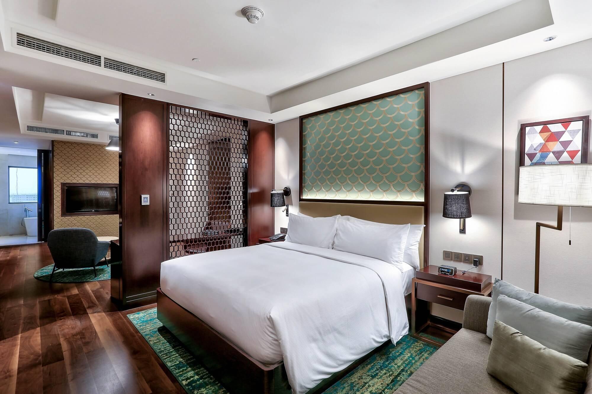 One Bedroom Suite Ocean View Hilton Da Nang Trai Nghiem Khach San Day Phong Cach Giua Long Thanh Pho Danang Fantasticity