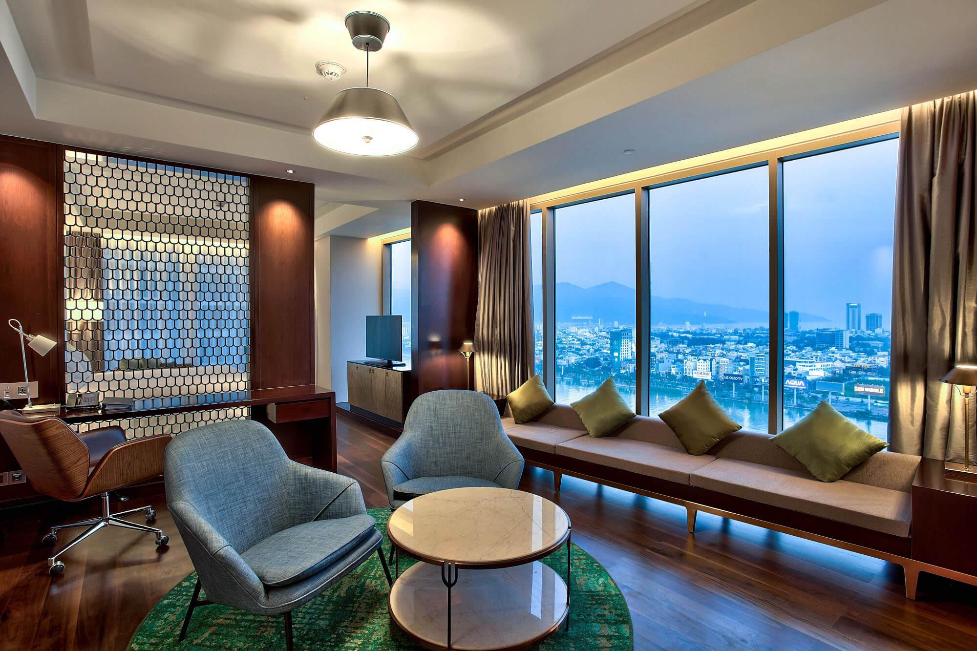 Suite Room Hilton Da Nang Trai Nghiem Khach San Day Phong Cach Giua Long Thanh Pho Danang Fantasticity 01