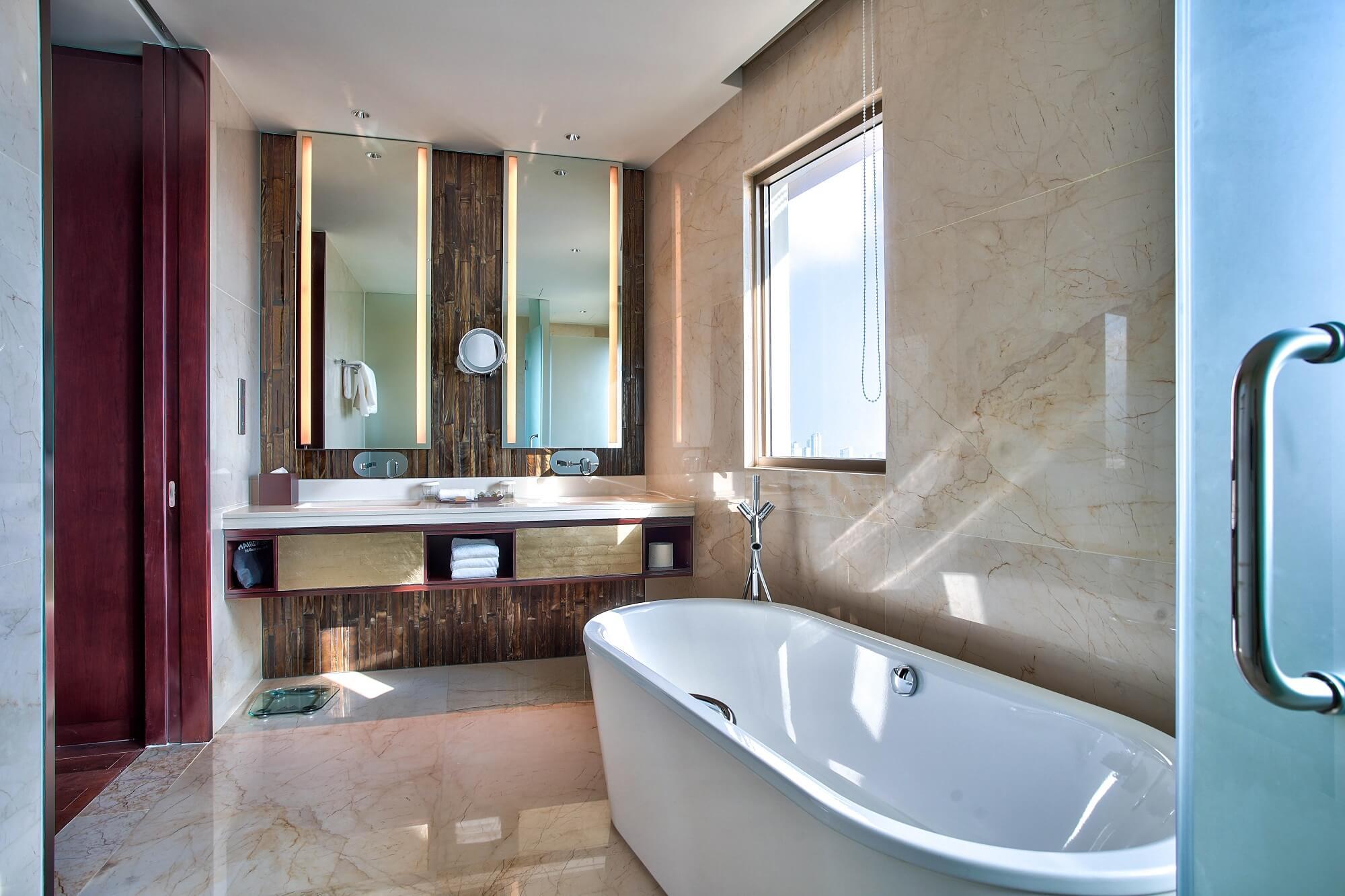 Suite Room Hilton Da Nang Trai Nghiem Khach San Day Phong Cach Giua Long Thanh Pho Danang Fantasticity 08
