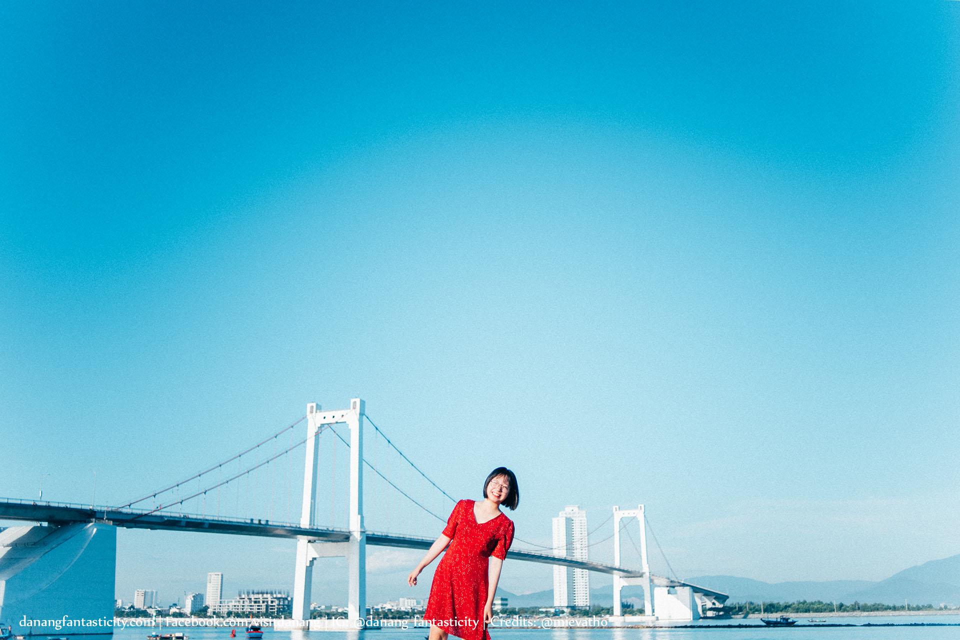 Da Nang Hoi An Anh Cho Minh Tren Chiec Xe Giac Mo Mievatho Danang Fantasticity Com Chan Cau Thuan Phuoc 02
