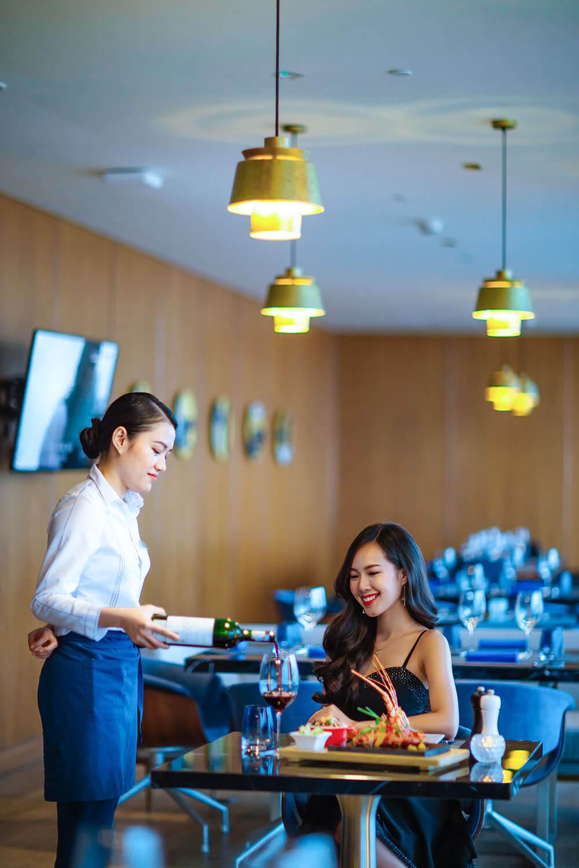 Hilton Da Nang Trai Nghiem Khach San Day Phong Cach Giua Long Thanh Pho Danang Fantasticity 03