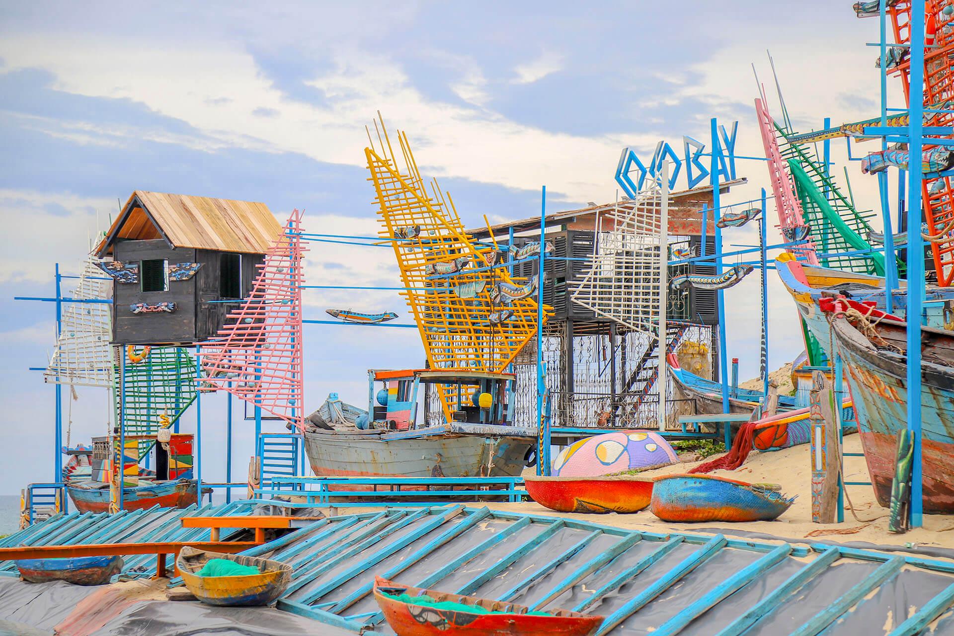 Summer Beach Bazaar Khu Tro Choi Nuoc Pho Am Thuc Nghe Thuat Ven Bien Moi Toanh Tai Da Nang Khu Bam Bien Nha Ngoc